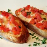 Bruschetta met tomaat en mozzarella